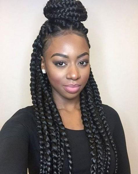 Caja de las trenzas - afroamericano trenzado Updo peinado