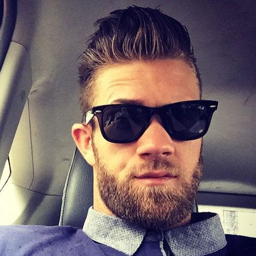 Bryce Harper de cabellos y barba