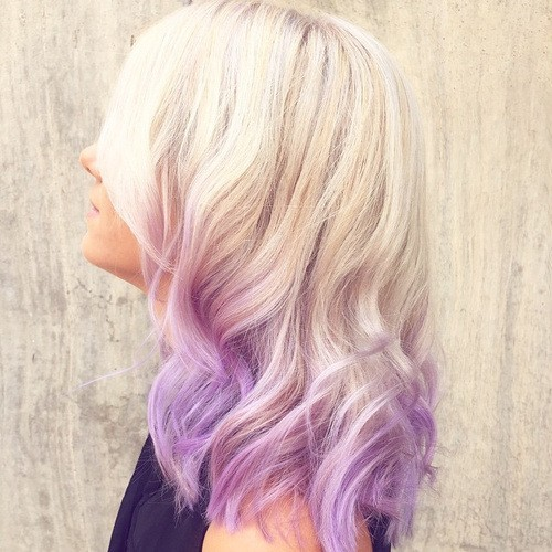 Light-Lavender-Ombre-Hairstyle-with-Medium-Wavy-Hair