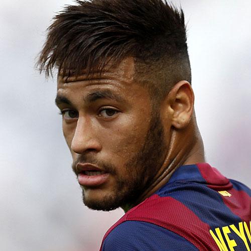 Neymar Jr corte de pelo - Fade con la franja angular