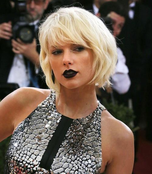 http://wendyiles-hairblog.com/2016/05/met-gala-2016-best-hair/ - Wendy Iles - Taylor Swift - Met Gala 2016 - Cabello - Mejor Cabello