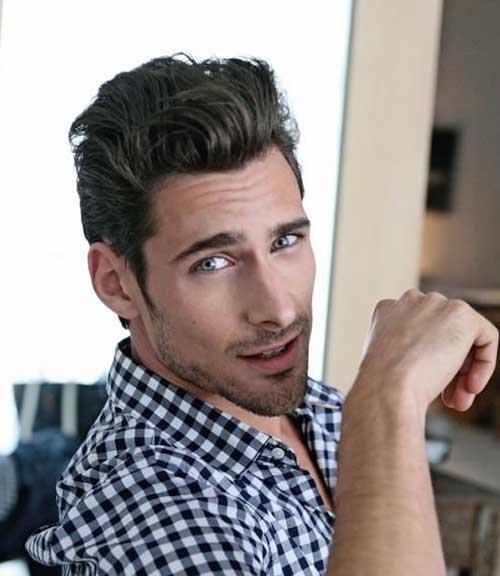 Hairstyle-Men-with-Wavy-Hair