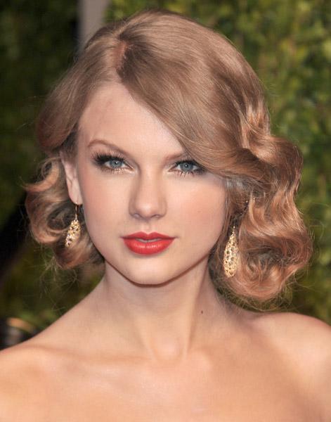 Taylor Swift falso bob