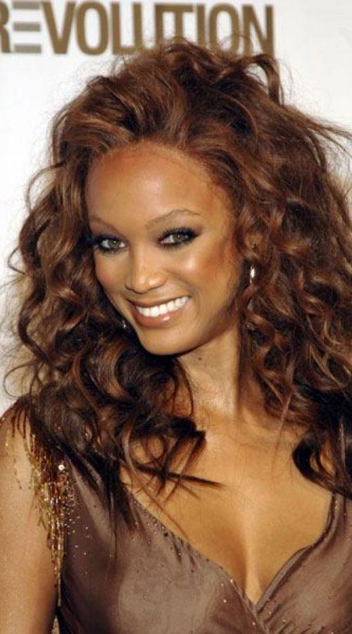 pelo marrón chocolate para las mujeres afro americanas