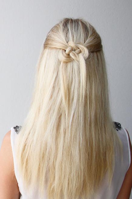 la mitad de la mitad hacia abajo el peinado ocasional 2016