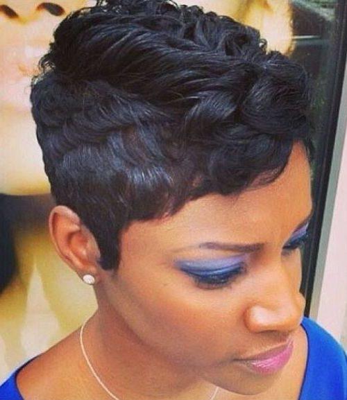 corte de pelo pixie en capas para las mujeres afro americano 2016