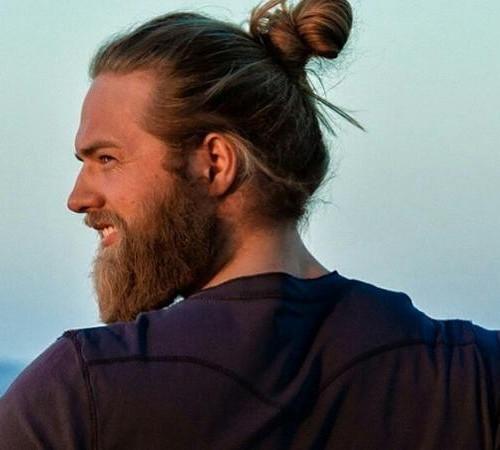 nudo superior para los hombres con barbas 2016 estilo