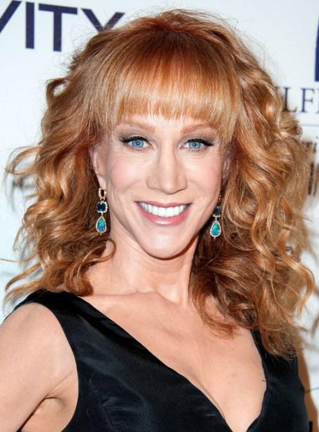 Kathy Griffin larga del rojo rizado peinado para pelo grueso