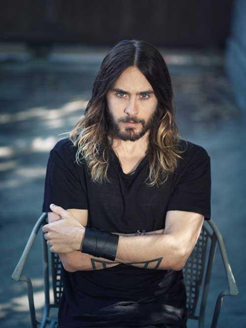 Los peinados para hombres con cabello largo-6