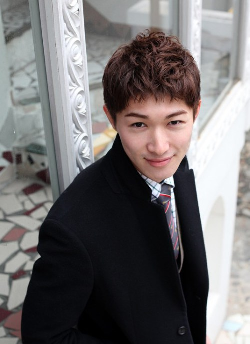 peinado rizado de Corea para Hombres