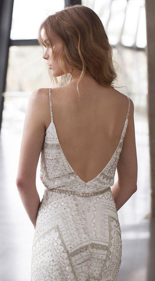 backless-dress