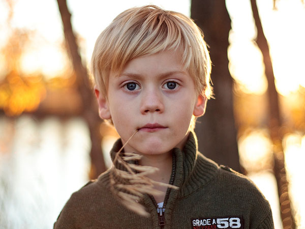 Peinado Niños de entalladura dişlikler más largas en la parte üstün