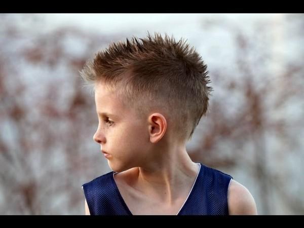 Peinado de entalladura Afeitado lados