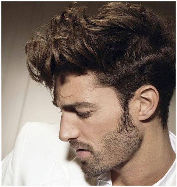 Peinados con pelo rizado corto hombre
