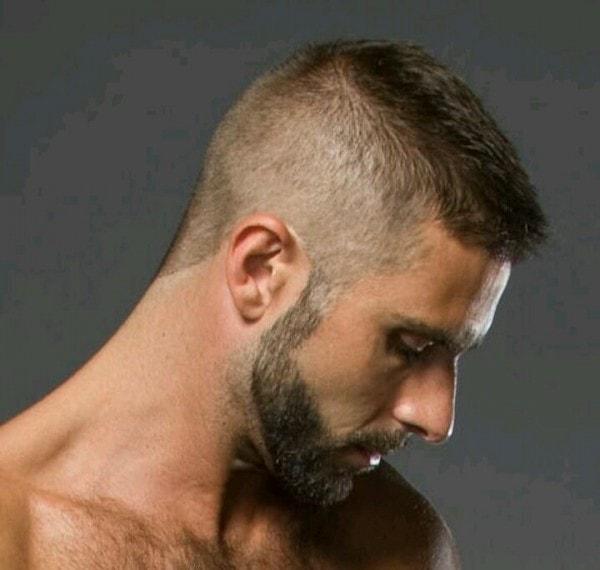 altos y estrechos para hombre corte de pelo
