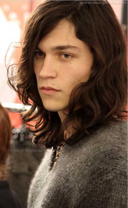 Los peinados para hombres con cabello largo-20