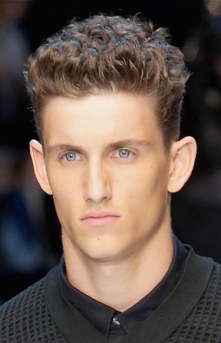 corte de pelo rizado corto para los hombres 2016