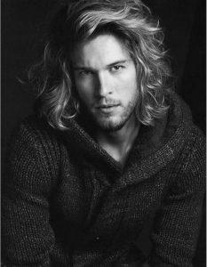 coiffure-homme-cheveux-mi-longs-hiver-2016